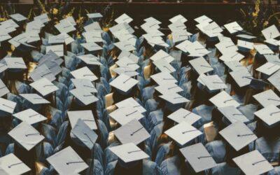 Diplomaosztó ajándék útmutató: mit illik adni, mit nem illik?