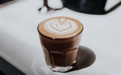 Kávé koffeintartalma: mennyi az egészséges érték?